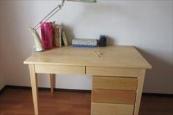 学習机やシンプルな家具を無垢材(天然木)でオーダーするなら【家具工房ログ】へ