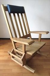 無垢材のロッキングチェアや木製の家具をオーダーメイドで作りたいとお考えでしたら【家具工房ログ】