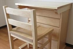 無垢材のオーダー家具を製作する【家具工房ログ】は、京都や大阪などの近畿地区には直接お届けも可能です